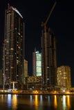 DUBAI UAE-JANUARY 16: Skyskrapor i den Dubai marina på Januar Royaltyfri Fotografi