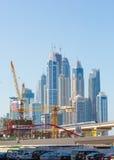 DUBAI UAE-JANUARY 15: Stadsgator Januari 15, 2014 i Dubai, U Royaltyfri Foto