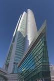 DUBAI, UAE - 22. MÄRZ 2017: Der Wolkenkratzer Almas-Turm konstruiert durch Taisei-Gruppe Stockfoto