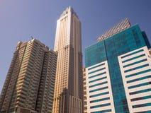 Dubai UAE - Maj 15, 2018: Bostads- skyskrapa i Dubai på en solig dag UAE Royaltyfria Bilder