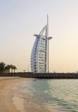 DUBAI UAE - MAJ 12, 2016: Burj Al Arab hotell Arkivbilder