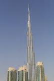 DUBAI UAE - MAJ 11, 2016: Burj Khalifa torn Arkivfoton