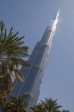 DUBAI UAE - MAJ 14, 2016: Burj Khalifa torn Arkivfoton
