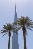DUBAI UAE - MAJ 14, 2016: Burj Khalifa torn Royaltyfria Foton