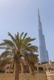 DUBAI UAE - MAJ 14, 2016: Burj Khalifa torn Royaltyfri Fotografi