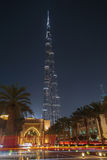 DUBAI UAE - MAJ 11, 2016: Burj Khalifa torn på natten Royaltyfri Fotografi