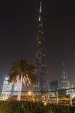 DUBAI UAE - MAJ 11, 2016: Burj Khalifa torn på natten Arkivfoto