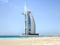 Dubai UAE - Maj 31, 2013: Det Burj El arabhotellet Arkivfoton