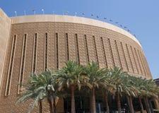 DUBAI UAE - MAJ 15, 2016: Dubai Marina Mall Fotografering för Bildbyråer