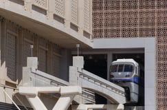 DUBAI UAE - MAJ 15, 2016: Gömma i handflatan den Jumeirah enskeniga järnvägen Royaltyfria Foton