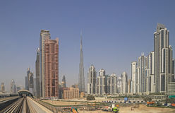 DUBAI UAE - MAJ 11, 2016: I stadens centrum område Royaltyfri Bild