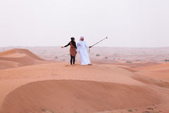 DUBAI UAE - 11 MAJ, 2014: Safari - köra på öknen, tradi Royaltyfria Foton