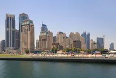 DUBAI UAE - MAJ 15, 2016: sikt av det Dubai marinaområdet Royaltyfri Bild