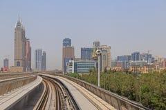 DUBAI UAE - MAJ 12, 2016: sikt av staden Royaltyfria Bilder