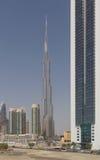 DUBAI UAE - MAJ 11, 2016: sikt på Burj Khalifa Royaltyfria Bilder