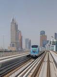 DUBAI UAE - MAJ 12, 2016: tunnelbanadrev Arkivbild