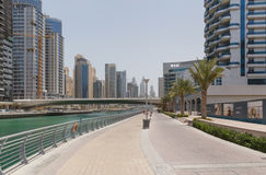DUBAI, UAE - MAY 11, 2016:  pedestrian walkway Royalty Free Stock Photography