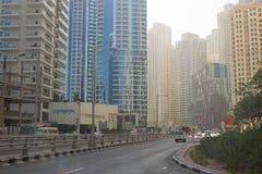 DUBAI, UAE - O 22 DE JANEIRO 2018: Construções modernas no porto de Dubai, Dubai, UAE fotografia de stock royalty free