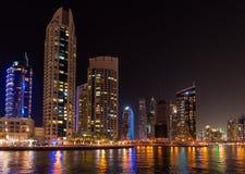 DUBAI, UAE: Wolkenkratzer von Dubai-Jachthafen am 29. September 2014 Lizenzfreies Stockfoto