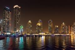 DUBAI, UAE: Wolkenkratzer von Dubai-Jachthafen am 29. September 2014 Stockfotos
