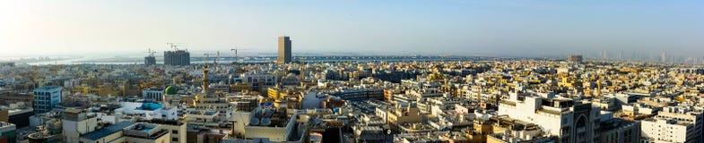 Dubai, United Arab Emirates - 7 de mayo de 2018: Vista panorámica de Dei imagenes de archivo