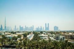 dubai verão 2016 Cidade de Dubai com a linha da praia do hotel Jumeirah de quatro estações Imagens de Stock