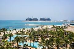 dubai verão 2016 Cidade de Dubai com a linha da praia do hotel Jumeirah de quatro estações Imagem de Stock Royalty Free
