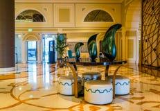 dubai Verano 2016 Interior brillante y moderno el hotel Waldorf Astoria Ras Al Khaimah Fotos de archivo