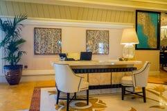 dubai Verano 2016 Interior brillante y moderno el hotel Waldorf Astoria Ras Al Khaimah Imágenes de archivo libres de regalías