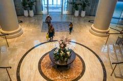 dubai Verano 2016 Interior brillante y moderno la palma Jumeirah de Waldorf Astoria Dubai del hotel Imagen de archivo