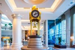 dubai Verano 2016 Interior brillante y moderno la palma Jumeirah de Waldorf Astoria Dubai del hotel Fotografía de archivo