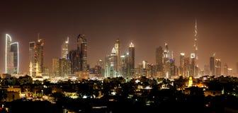 Dubai vid natt Arkivfoto