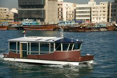 dubai waterbus Royaltyfri Fotografi