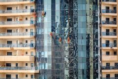 Dubai window washers Royalty Free Stock Photography
