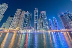 Dubaien - januari 10, 2015: marinaområde på Royaltyfri Bild