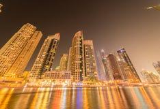 Dubaien - januari 10, 2015: marinaområde på Arkivfoto