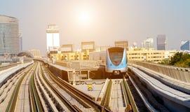 Dubais automatisiert, driverless Metrozugs lizenzfreie stockbilder
