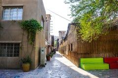 Dubaj Al Bastakiya Al Fahidi Neighbourhood Dziejowa ławka zdjęcie stock