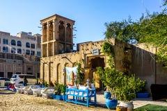 Dubaj Al Bastakiya Al Fahidi Neighbourhood Dziejowa restauracja fotografia stock