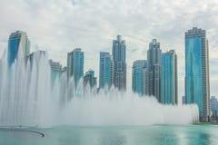 Dubaj Dancingowa fontanna zdjęcia stock