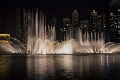 Dubaj fontanny Dancingowy przedstawienie fotografia stock