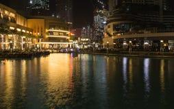 Dubaj, Khalifa Burj jezioro - fotografia stock