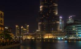 Dubaj, Khalifa Burj jezioro - obraz stock