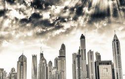 Dubaj Marina drapacze chmur przy zmierzchem Fotografia Royalty Free