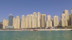 Dubaj marina jbr utrzymania bloku plaży panorama 4k uae zbiory wideo