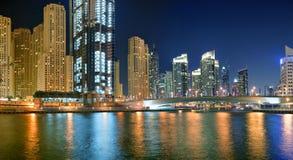Dubaj Marina jest sztucznym kanałowym miastem Obraz Royalty Free