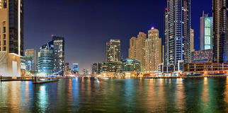 Dubaj Marina jest sztucznym kanałowym miastem Obrazy Stock