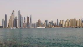 Dubaj marina lata czasu dnia zatoki budynków palmowa panorama 4k uae zbiory