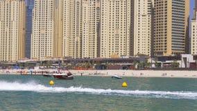Dubaj marina lata czasu jbr strumienia przejażdżki plaży narciarska panorama 4k uae zdjęcie wideo