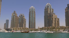 Dubaj marina słońca światła dnia czasu zatoki panoramiczny widok 4k uae zbiory wideo
